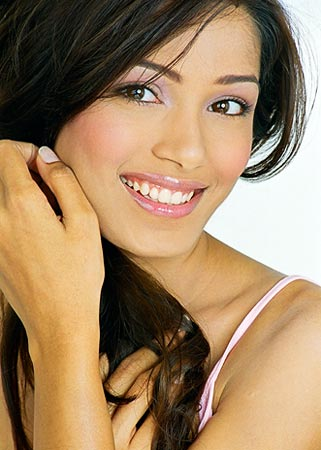 Freida Pinto